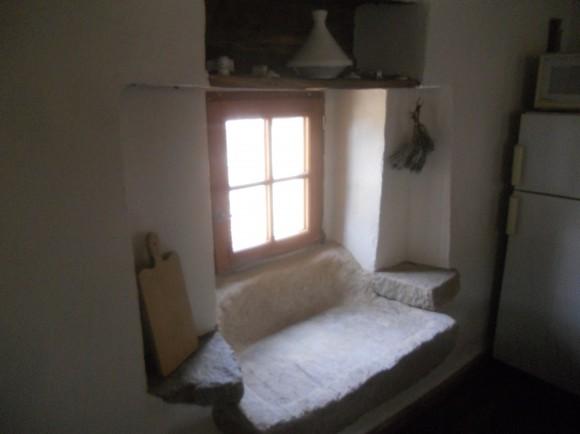 galerie de photos Ancienne souillarde conservée dans la cuisine du gite tarn
